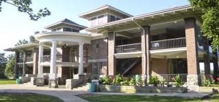 Miller Park Pavilion & War Memorial