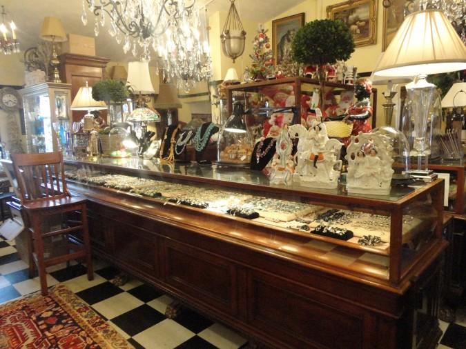 Cydney's Antiques