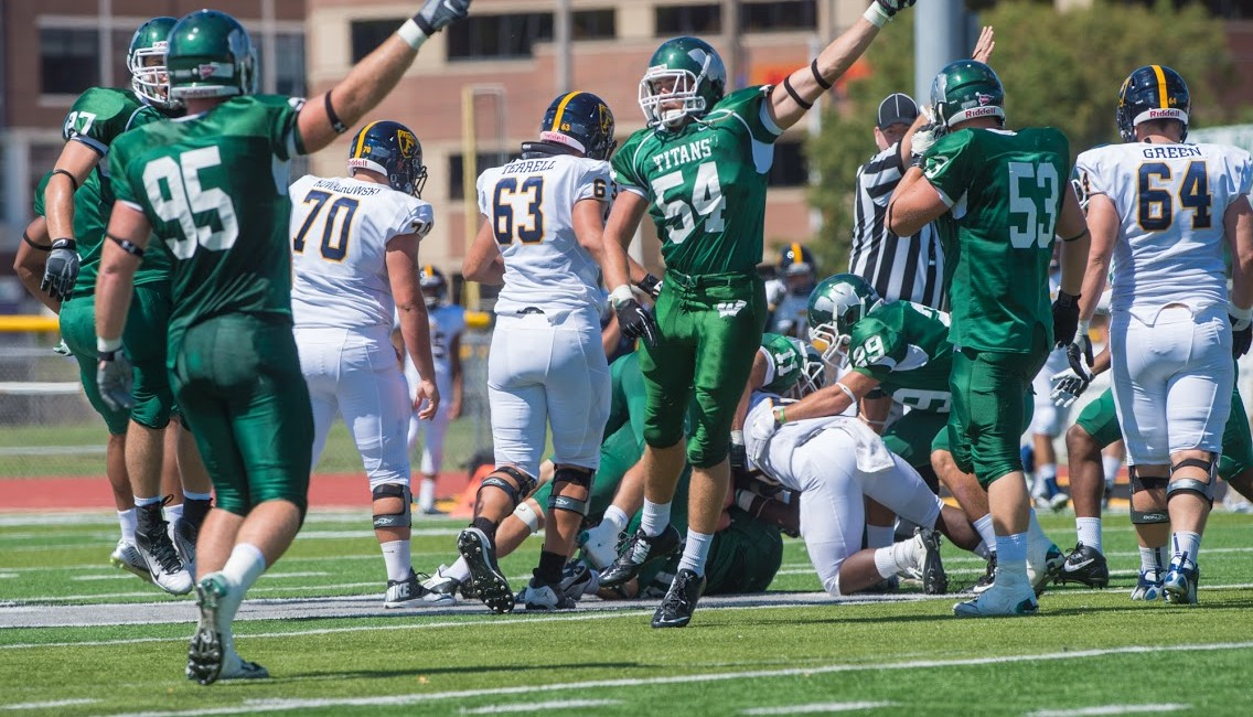 Illinois-Wesleyan-football-2